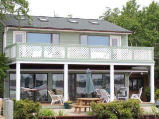 Spacious 4 bedroom Holland House with Internet Access - Holland vacation rentals