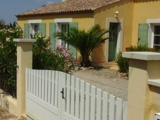 Nice House with A/C and Washing Machine - Aumes vacation rentals