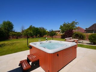 3 bedroom House with Hot Tub in Alloway - Alloway vacation rentals