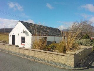 Wonderful 2 bedroom Broadford House with Internet Access - Broadford vacation rentals