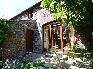 Bright 2 bedroom Egloskerry House with Internet Access - Egloskerry vacation rentals
