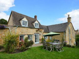 Bright 4 bedroom Bourton-on-the-Hill House with Internet Access - Bourton-on-the-Hill vacation rentals