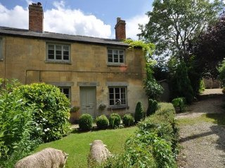 2 bedroom House with Internet Access in Winchcombe - Winchcombe vacation rentals
