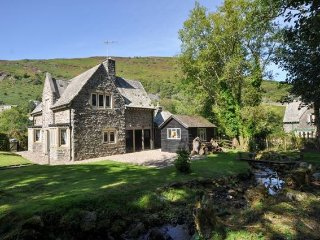Nice House with Internet Access and Television - Llanwrthwl vacation rentals