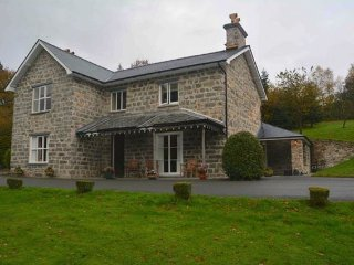 4 bedroom House with Internet Access in Dinas Mawddwy - Dinas Mawddwy vacation rentals