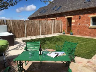 Nice House with Internet Access and Hot Tub - Out Rawcliffe vacation rentals