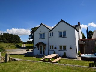 Perfect 3 bedroom House in Carnhell Green with Hot Tub - Carnhell Green vacation rentals