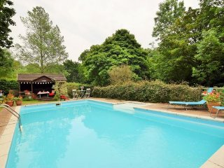 Beautiful 3 bedroom House in Cowbridge with Internet Access - Cowbridge vacation rentals