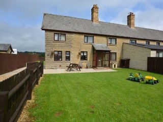 3 bedroom House with Internet Access in Stretton - Stretton vacation rentals