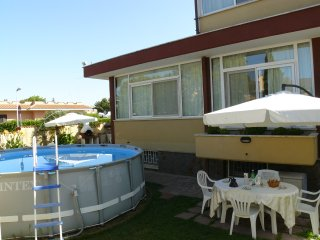 'Rose's House' appartamento al mare vicino Roma - Ladispoli vacation rentals