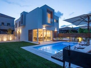 Koras Villa - modern villa few steps from beach - Kastel Stari vacation rentals