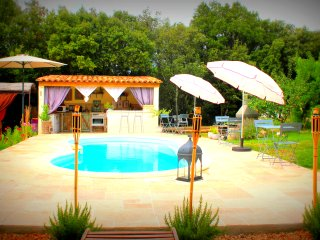 Nice Bed and Breakfast with Internet Access and Shared Outdoor Pool - Moissac-Bellevue vacation rentals