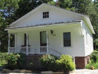 Country Cottage for 6 near Greenville NC - Ayden vacation rentals
