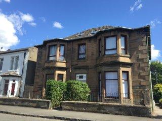 The Loft at Elder Park (sleeps 2) Free Car Parking - Glasgow vacation rentals