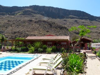 Beautiful Finca with Balcony and Children's Pool - Maspalomas vacation rentals