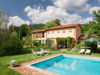 Traditional lovely Villa, private pool. 10 people - Lucca vacation rentals