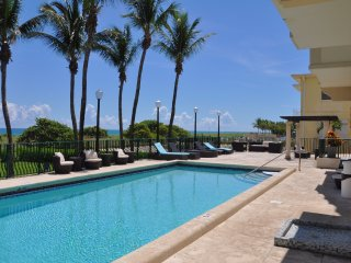 1 bedroom Apartment with Internet Access in Surfside - Surfside vacation rentals