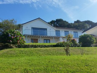Priors Hill - an outstanding 5 bed detached house - Noss Mayo vacation rentals