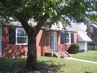 Comfortable, Clean and Clutter free , Pet Friendly - Richmond vacation rentals
