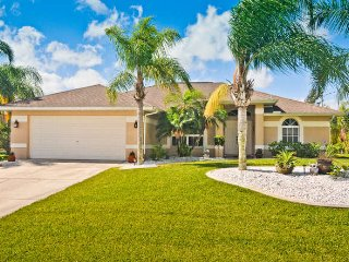 Villa Tropical Breeze Cape Coral 3/2 Lake Kayaks - Cape Coral vacation rentals
