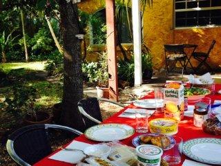 Stunning cottage *Best location in Miami Beach 2/2 - Miami Beach vacation rentals