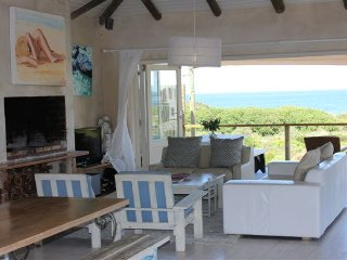 Beautiful 4 bedroom House in Hermanus with Internet Access - Hermanus vacation rentals