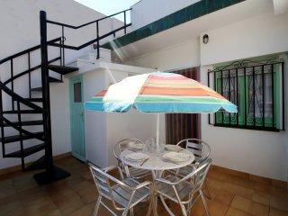 2027-POETA MARQUINA Apartamento con 2 dormitorios - Roses vacation rentals