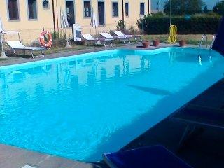 Appartamento in Palazzo-Residence con Piscina - Santa Luce vacation rentals