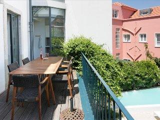 Ap14 - Villa Estrela with private swimming pool in city center - Lisboa vacation rentals