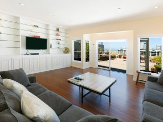 Pacific Heights 2 Bedroom with Spectacular Deck! - San Francisco vacation rentals
