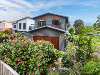 Bright 4 bedroom House in Anglesea with A/C - Anglesea vacation rentals