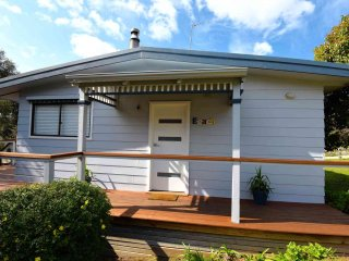 2 bedroom House with A/C in Anglesea - Anglesea vacation rentals