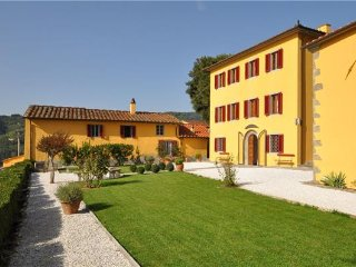 5 bedroom Villa in Massa e Cozzile, Tuscany, Italy : ref 2372788 - Massa e Cozzile vacation rentals