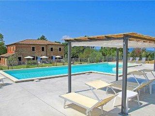 5 bedroom Apartment in Castiglione Del Lago, Umbria, Italy : ref 2372918 - Castiglione Del Lago vacation rentals