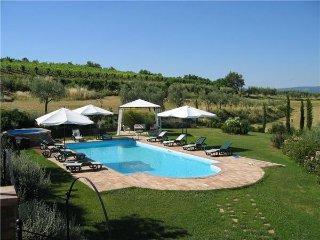 5 bedroom Villa in Valiano, Tuscany, Italy : ref 2373024 - Valiano vacation rentals