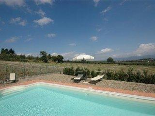 6 bedroom Villa in Castiglion Fiorentino, Tuscany, Italy : ref 2373090 - Castiglion Fiorentino vacation rentals