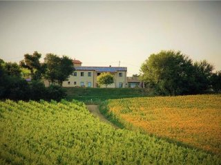 5 bedroom Villa in Loreto, Marche, Italy : ref 2373134 - Loreto vacation rentals