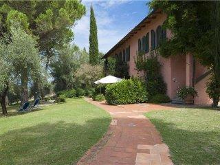 11 bedroom Villa in Montaione, Tuscany, San Gimignano, Italy : ref 2373272 - Montaione vacation rentals