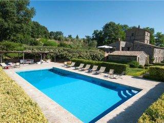 5 bedroom Villa in Porano, Umbria, Italy : ref 2373583 - Porano vacation rentals