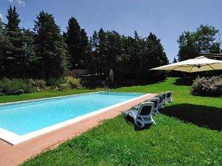 3 bedroom Apartment in San Casciano In Val Di Pesa, Tuscany, Italy : ref 2373591 - San Casciano in Val di Pesa vacation rentals