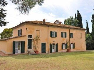 9 bedroom Villa in Marciano Della Chiana, Tuscany, Arezzo, Italy : ref 2373848 - Marciano Della Chiana vacation rentals