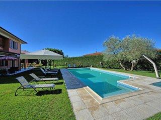 5 bedroom Villa in Loro Ciuffenna, Tuscany, Arezzo, Italy : ref 2374060 - Loro Ciuffenna vacation rentals