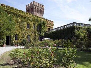 10 bedroom Villa in Campiglia Marittima, Tuscany, Italy : ref 2374280 - Campiglia Marittima vacation rentals