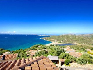 4 bedroom Villa in Baja Sardinia, Sardinia, Italy : ref 2374402 - Cannigione vacation rentals