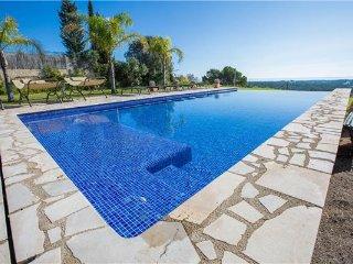 5 bedroom Villa in Manacor, Mallorca, Manacor, Mallorca : ref 2374543 - Calas de Majorca vacation rentals