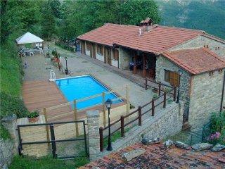8 bedroom Apartment in Moggiona, Tuscany, Arezzo, Italy : ref 2374975 - Moggiona vacation rentals