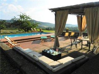 10 bedroom Villa in Montebenichi, Tuscany, Italy : ref 2375000 - Montebenichi vacation rentals