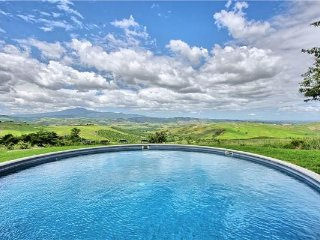 6 bedroom Villa in Radicofani, Tuscany, Val d Orcia, Italy : ref 2375015 - Radicofani vacation rentals