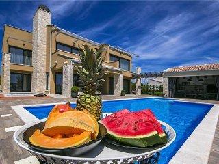 5 bedroom Villa in Sveti Lovrec, Istria, Perini, Croatia : ref 2375022 - Sveti Lovrec vacation rentals