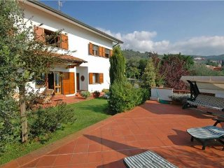 5 bedroom Villa in Uzzano, Tuscany, Italy : ref 2375101 - Uzzano vacation rentals